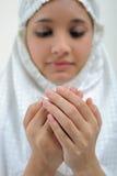 jeunes de prière de femme Images libres de droits