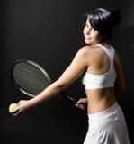 Jeunes femelles de joueur de tennis Photographie stock libre de droits