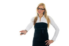 Jeunes femmes d'affaires donnant loin des clés Photos stock