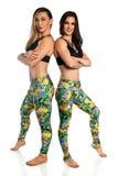 Jeunes femmes dans le vêtement d'exercice photos libres de droits