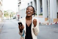 Jeunes femmes heureuses d'affaires Images libres de droits