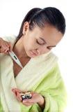 Jeunes femmes malades avec des drogues Photographie stock