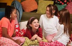 Jeunes filles heureuses Photo stock