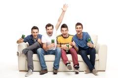 Jeunes hommes enthousiastes criant Photo libre de droits