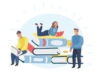 Jeunes lecteurs masculins et féminins élégants s'asseyant sur la pile de livres géants ou près de elle et de la lecture Fans ou a illustration de vecteur