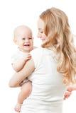 Jeunes mère et chéri heureuses dans des ses mains photo libre de droits