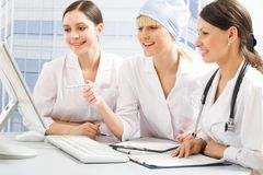 Jeunes médecins photo stock