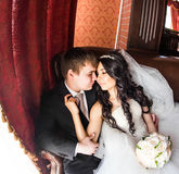 Jeunes mariés d'amants Photos libres de droits