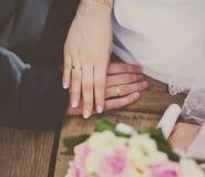 Jeunes mariés de photo de vintage Images libres de droits