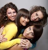 Jeunes modèles dans la robe colorée Images libres de droits