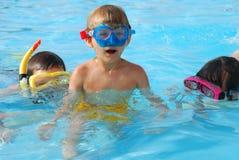 Jeunes plongeurs images stock