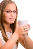 jeunes potables de femme de coffe Image stock