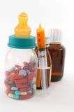 Jeunes prenant excessif médicament au nom de la santé Photos libres de droits