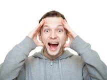 Jeunes rires caucasiens sportifs heureux d'homme Image stock