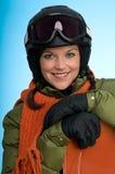 jeunes s'usants de femme de snowboard de matériel image stock