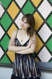 jeunes sensuels de femme de belle verticale de brunette Images stock