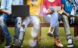 Jeunes Team Together Cheerful Concept d'adolescents Photographie stock libre de droits