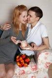 Jeunes, un couple affectueux Photos libres de droits