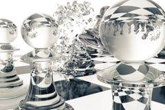 Jeux d'échecs, victoire, succès en concurrence, direction dans les affaires, gages transparents sur un fond blanc, 3d Photos stock