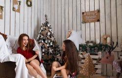 Jeux heureux de famille Photographie stock libre de droits