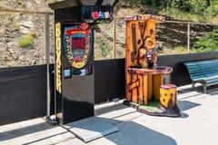 Jeux Tbilisi la Géorgie d'amusement d'arcade Photographie stock libre de droits