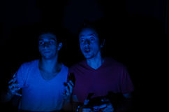 Jeux vidéo avec des amis Images stock