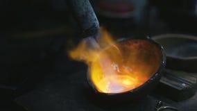 jewelery制造  熔铸从银 股票录像