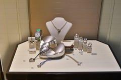 Jewelery van Wempe in showcaseopslag stock fotografie