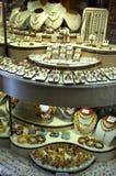 jewelerymän lagrar wempekvinnor Fotografering för Bildbyråer