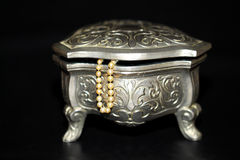 Jewelry box with pearls Stock Photos