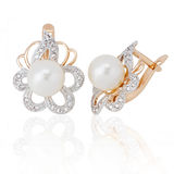Jewelry earrings with pearl and diamonds. On white background. isolated Royalty Free Stock Photography