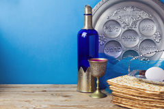 Jewish holiday Passover background with matzo and wine Royalty Free Stock Photos
