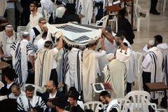 : Jewish man celebrate Simchat Torah Stock Photos