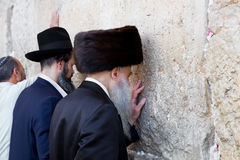 Jewish praying at the western wall Royalty Free Stock Photos