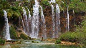 Jeziora z siklawą w Chorwacja Lokacja: Plitvice, parka narodowego Plitvicka jezera zbiory
