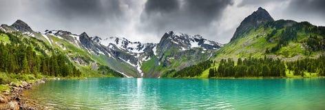 jeziorna góra Zdjęcie Royalty Free