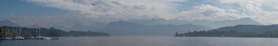 Jeziorna panoramy lucerna obrazy royalty free