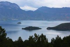 Jeziorna wyspa Zdjęcie Stock