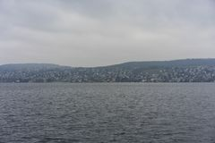 Jeziorna Zurich woda i góra krajobraz z dżdżystą pogodą obrazy stock