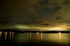 Jeziorne Bomoseen nocy gwiazdy zdjęcie stock