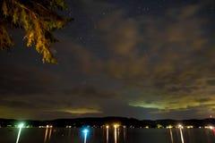 Jeziorne Bomoseen nocy gwiazdy obrazy royalty free
