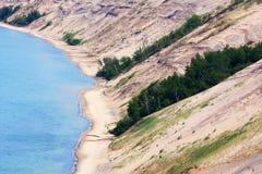 Jeziorne Wyższe brzeg i piaska diuny Zdjęcia Royalty Free