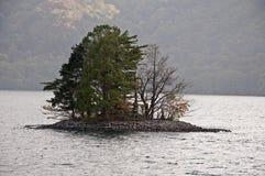 Jeziornej Chuzenji wyspy, Nikko park narodowy, Japonia Zdjęcie Royalty Free