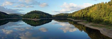 Jeziorny Aggertalsperre, Niemcy Zdjęcia Stock
