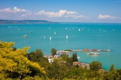 Jeziorny Balaton od Tihany wioski Obrazy Stock