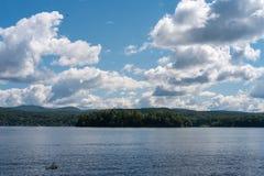 Jeziorny Bomoseen dzień obraz royalty free