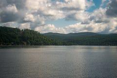 Jeziorny Bomoseen dzień zdjęcia stock