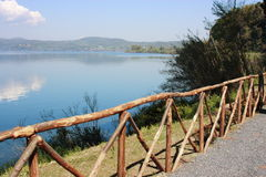 Jeziorny Bracciano. zdjęcie stock