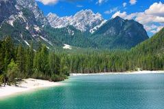 Jeziorny Braies, dolomit góry, Włochy Fotografia Stock