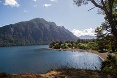 Jeziorny brzeg na Lanin parku narodowym Obrazy Stock